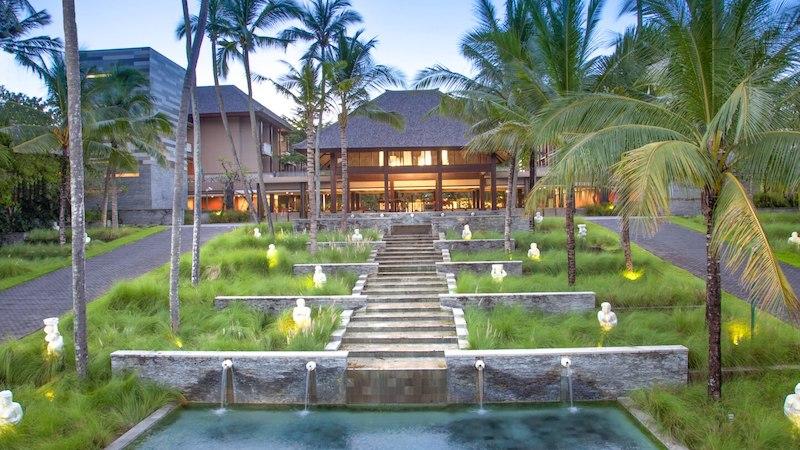 Courtyard Nusa Dua Hotel Entrance