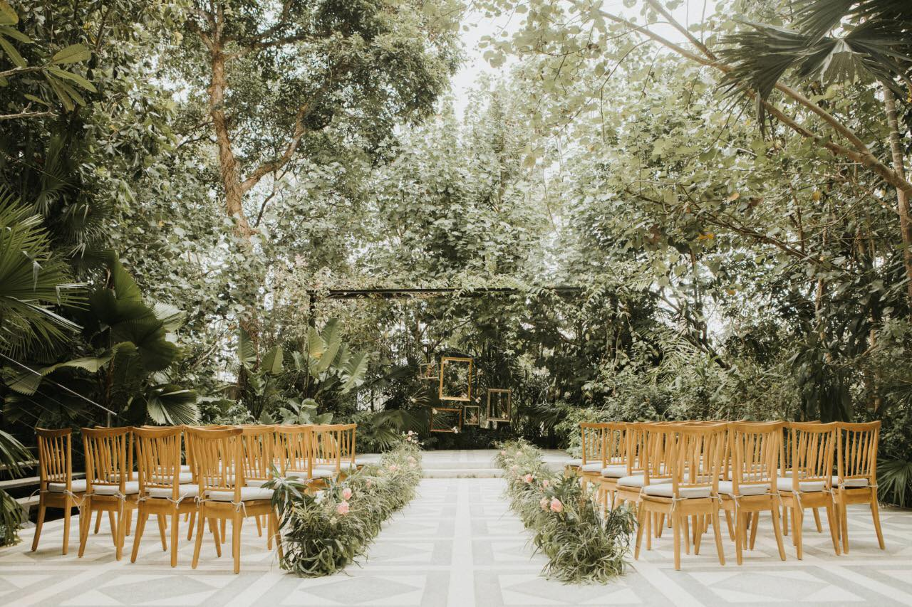 Glass House Standard Decor Ceremony Outdoor