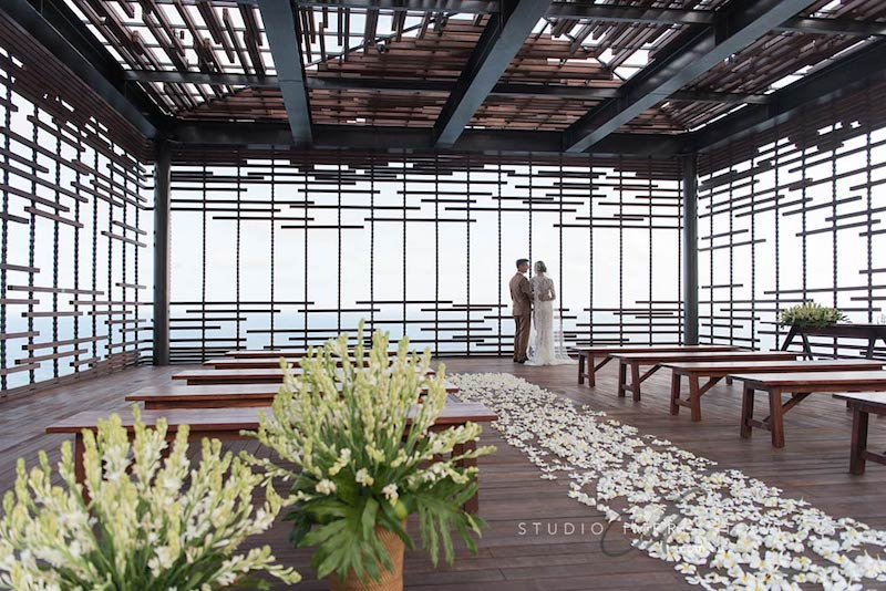 Alila Uluwatu Cliff Edge Cabana Wedding Bali