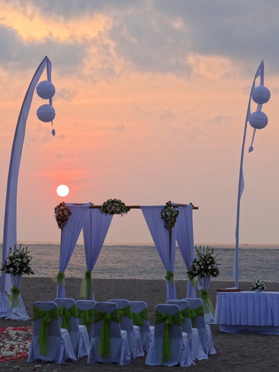 Ramada Bali Diamond Deluxe Decor Beach