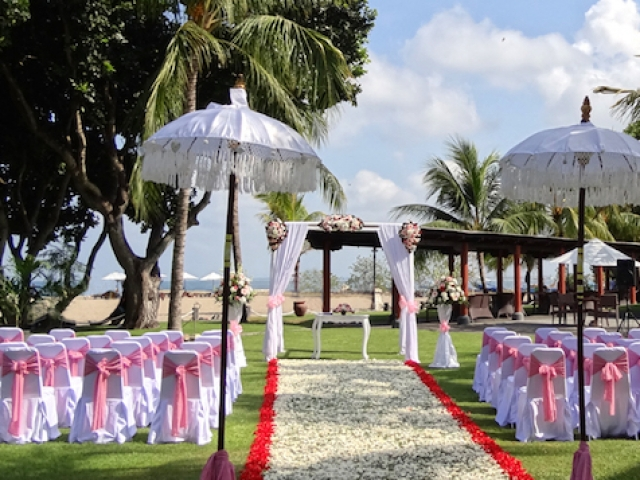 Ramada Bali Diamond Deluxe Decor Garden