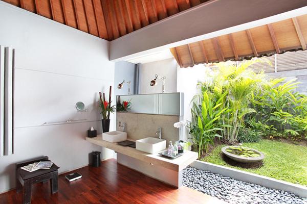 Villa Valentine Bali Bathroom
