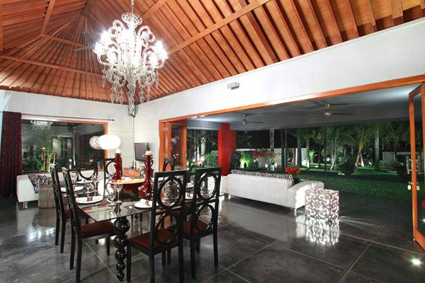 Villa Valentine Bali Living Room