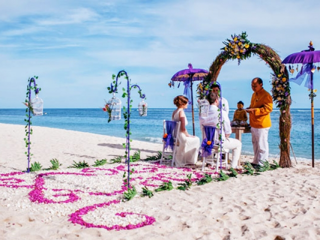 Samabes Beach Wedding Package in Bali